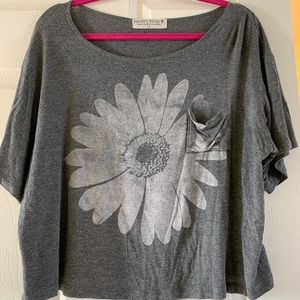 Grey cropped flower project social t shirt